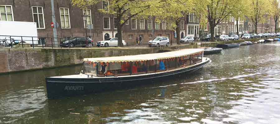 Private Boat Salonboot Avanti - up to 40 passengers